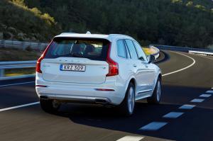 1000604_158086_The_new_Volvo_XC90_T8_Twin_Engine_petrol_plug_in_hybrid_driven_in_Tarragona