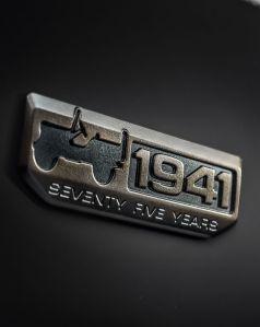 160224_jeep_badge_75th_anniversary_01